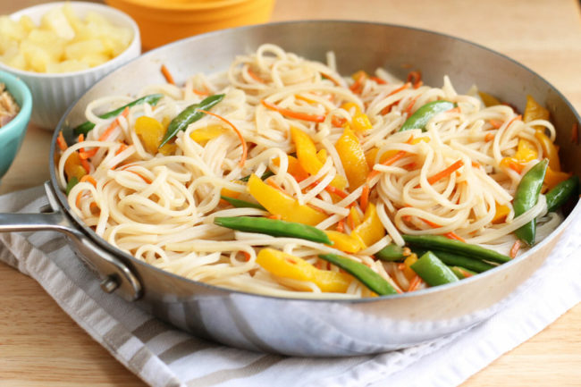 stir fry noodles with vegetables